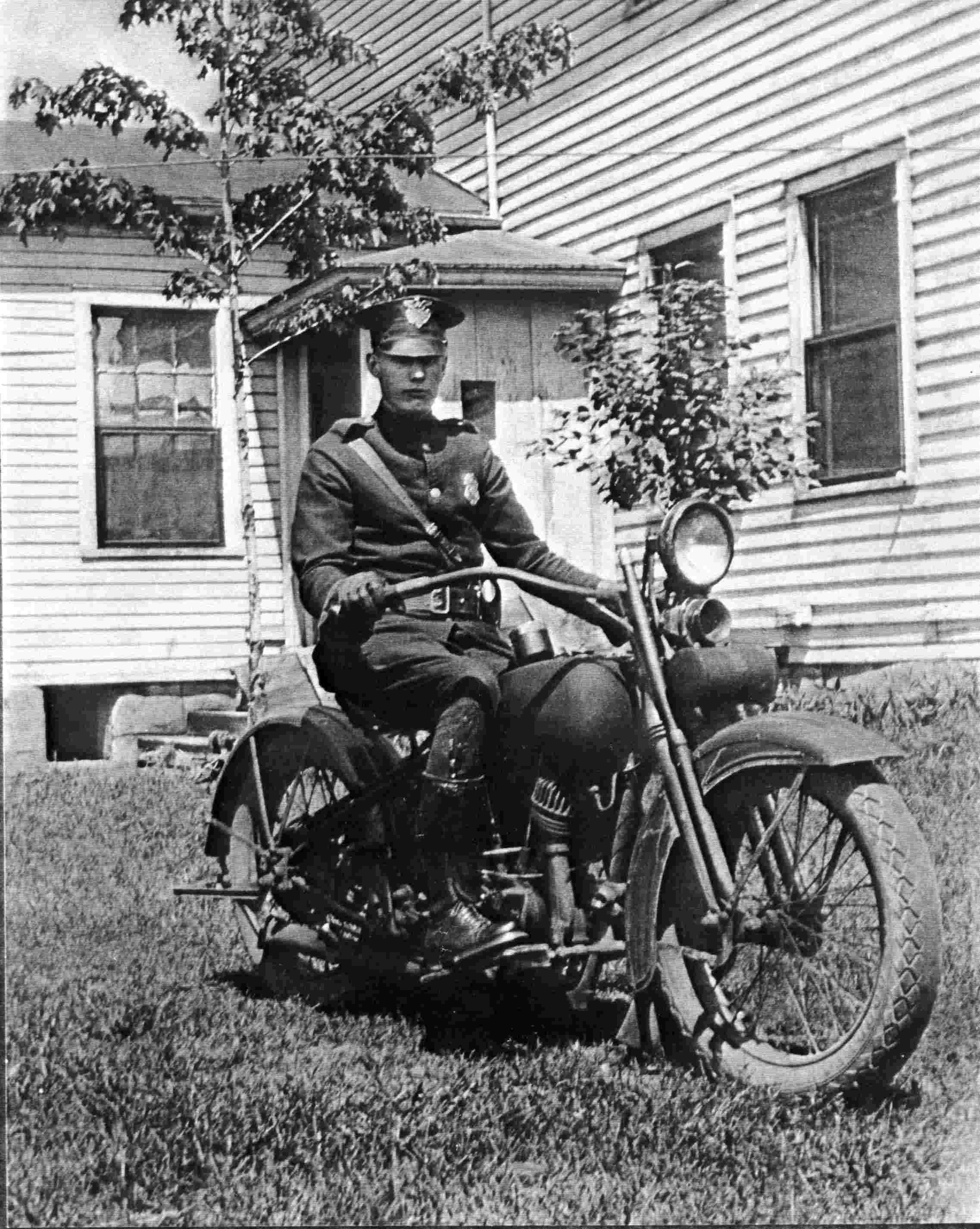 Patrolman Lawrence R. Yaxley | Mentor Police Department, Ohio